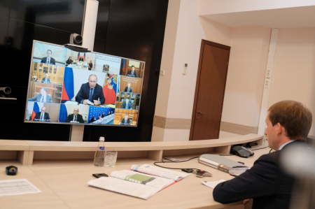Президент обсудил с кабмином исполнение поручений